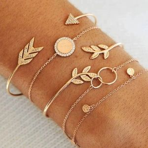 Jewelry - Gold Dainty Arrow Bracelet Set